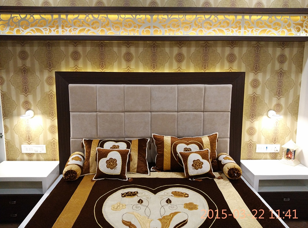 Spacious Bedroom by Jigar Patel Bedroom Contemporary | Interior Design Photos & Ideas