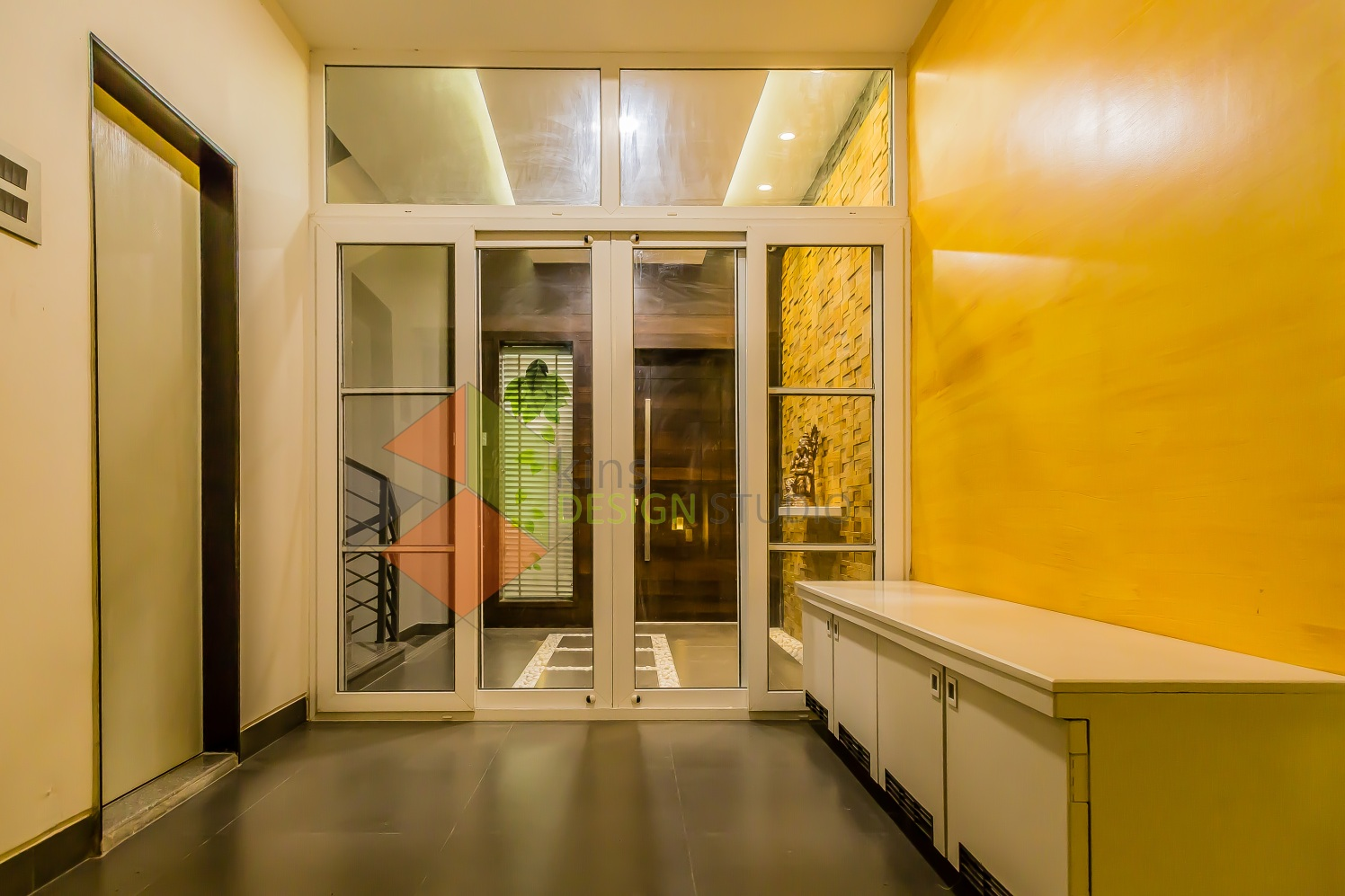 Soothing Entrance by Kinnera Naresh Indoor-spaces Contemporary | Interior Design Photos & Ideas