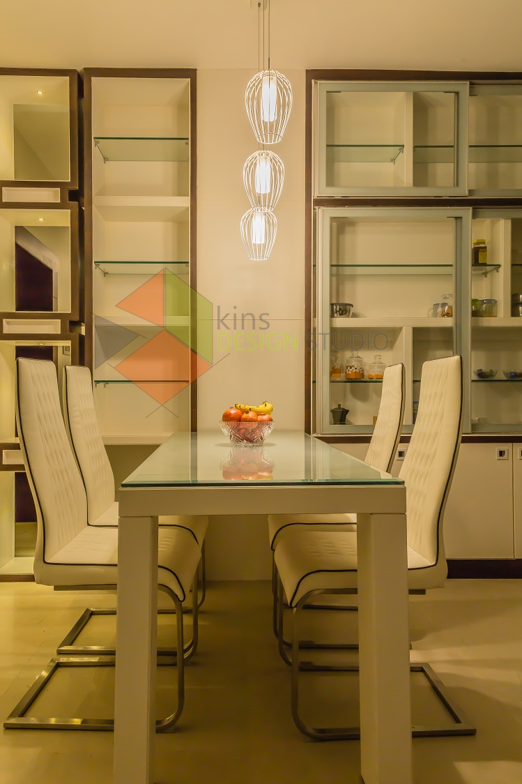 Dinning Time by Kinnera Naresh Dining-room Minimalistic | Interior Design Photos & Ideas