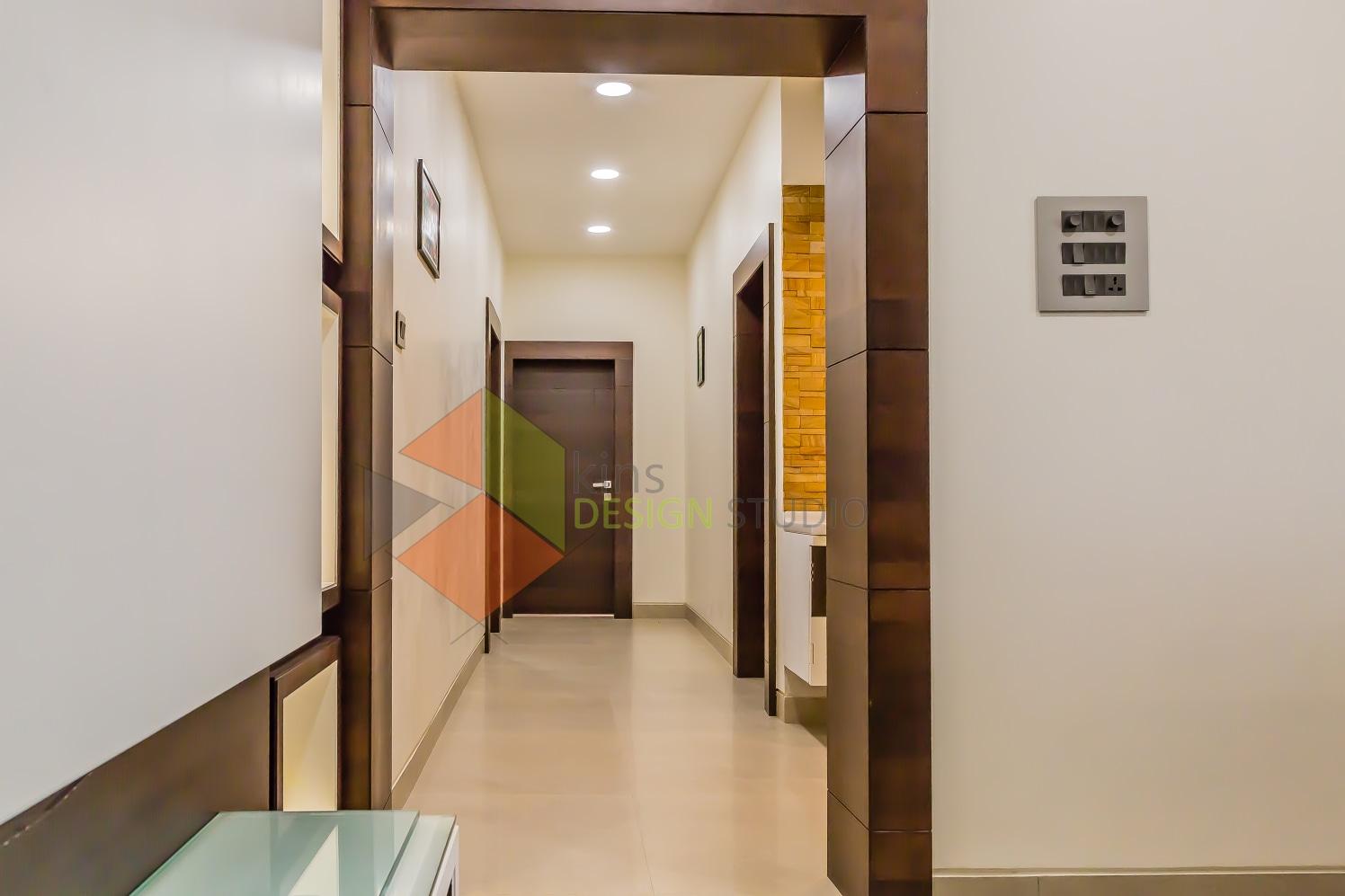 Simplistic Hallway by Kinnera Naresh Indoor-spaces Modern | Interior Design Photos & Ideas