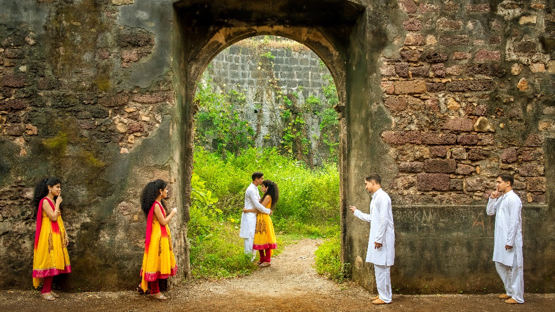 Love Is In The Air by Manish Dagade Photography Wedding-photography | Weddings Photos & Ideas