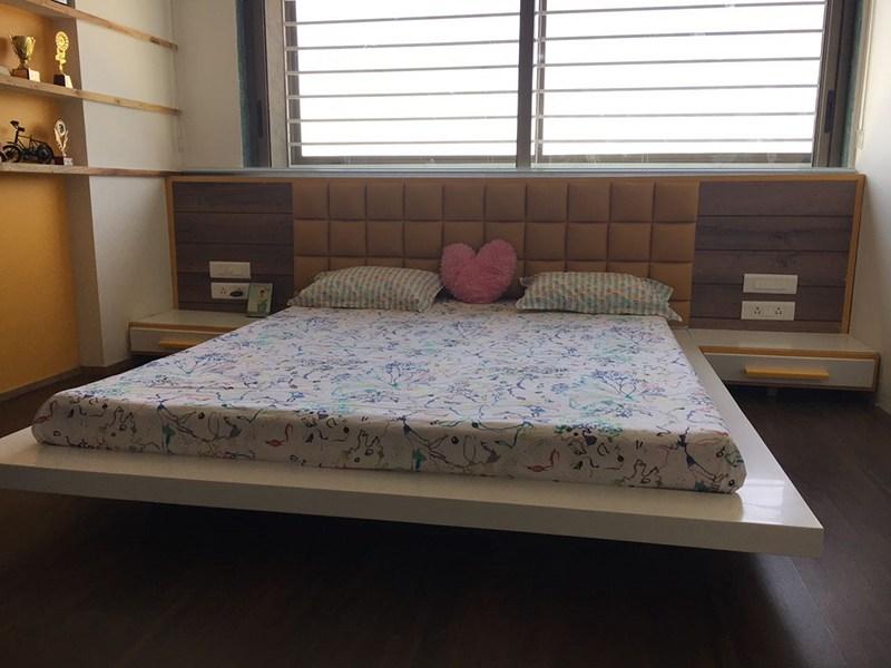 Modern Bed Room by Deepti Srivastava Bedroom Contemporary | Interior Design Photos & Ideas