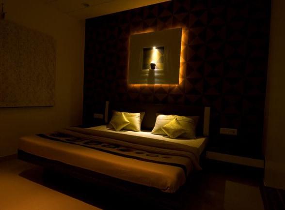 The Master Bedroom by Deepti Srivastava Bedroom Modern | Interior Design Photos & Ideas