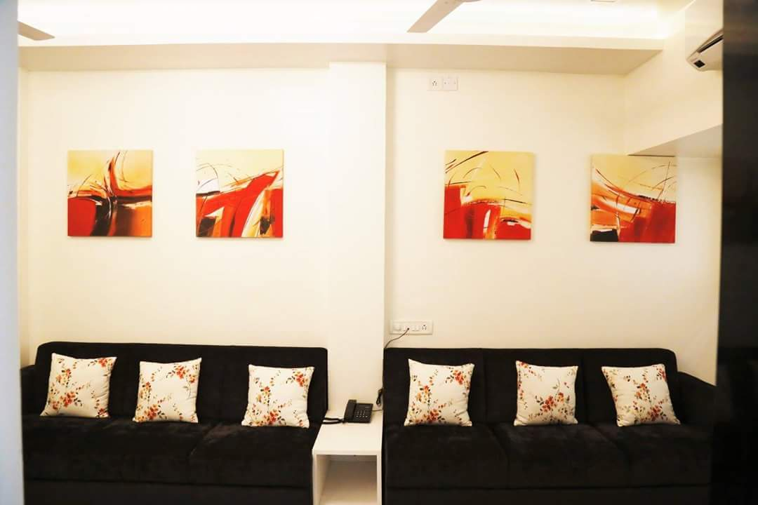 Artistic Living by Neeraja Kanitkar Modern | Interior Design Photos & Ideas