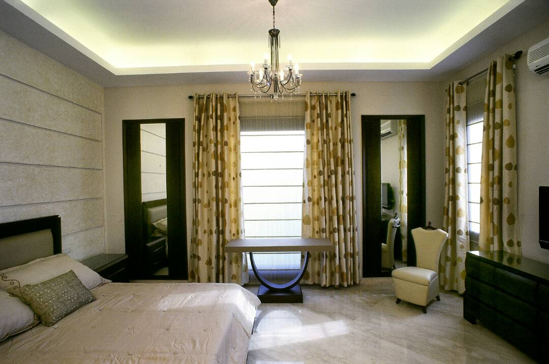 Spotted Drapes by Shivam Gupta Modern | Interior Design Photos & Ideas