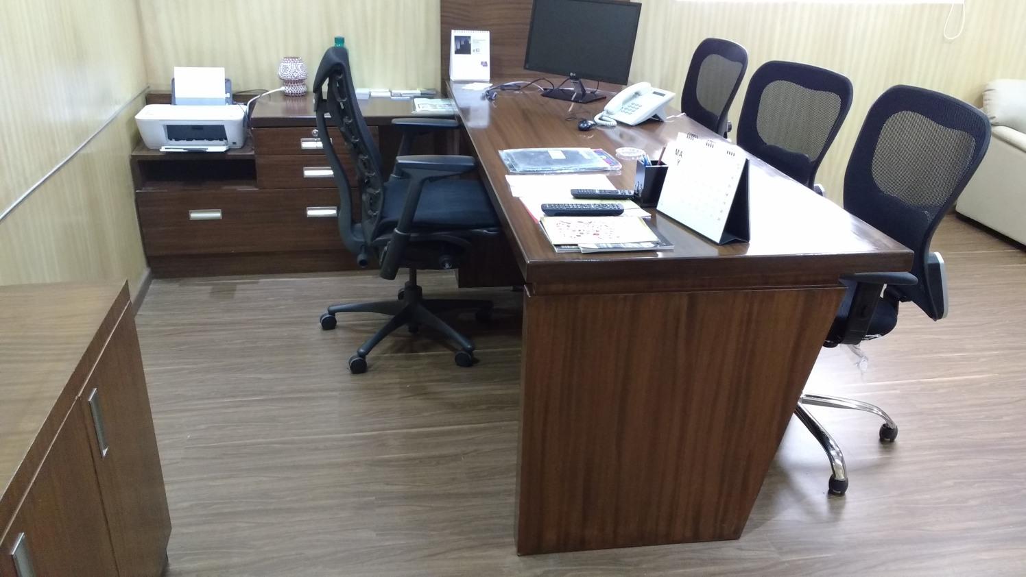 Simple office by Anirban Das