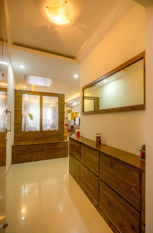 Contemporary hallway with marble flooring by Shubhashis Shomil Indoor-spaces Contemporary | Interior Design Photos & Ideas