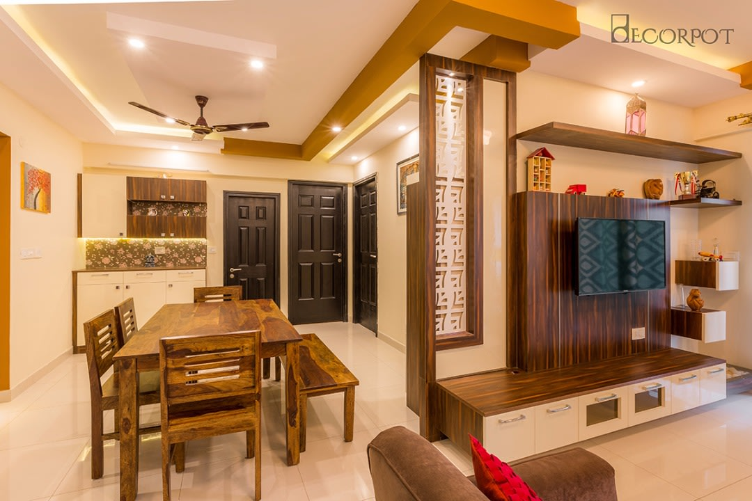 Contemporary dining room by Shubhashis Shomil Dining-room Traditional | Interior Design Photos & Ideas