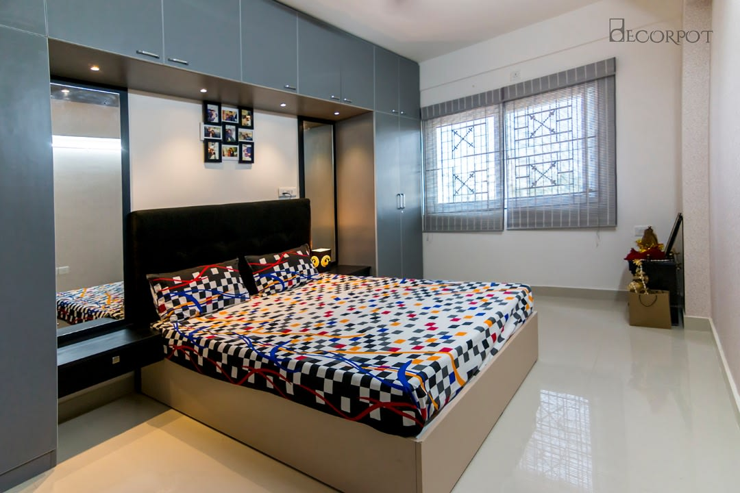 Contemporary bedroom with marble flooring by Shubhashis Shomil Bedroom Contemporary | Interior Design Photos & Ideas