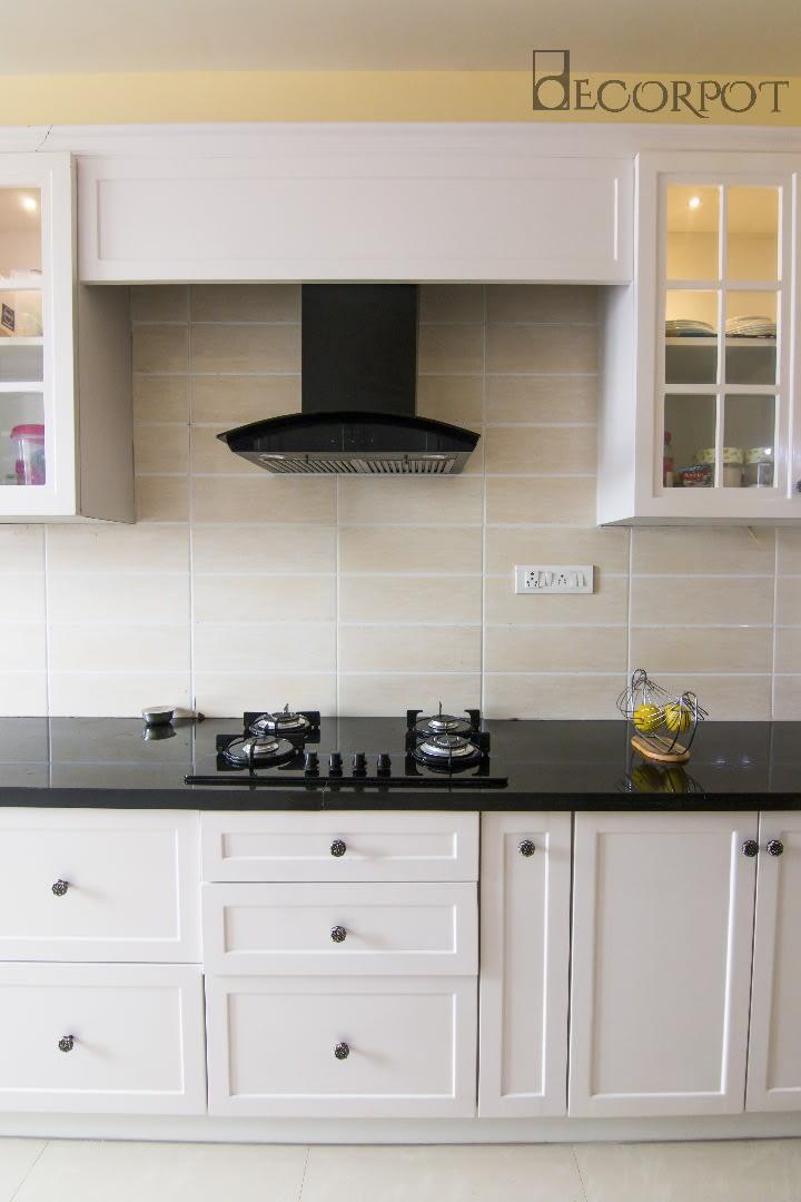 Modern modular kitchen by Shubhashis Shomil Modular-kitchen Modern | Interior Design Photos & Ideas