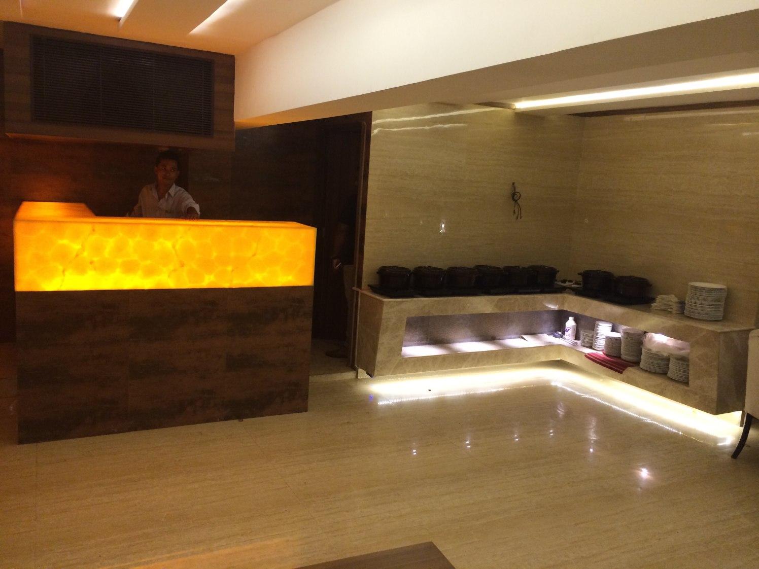 Stylish Reception by Devesh Gajwani Modern | Interior Design Photos & Ideas