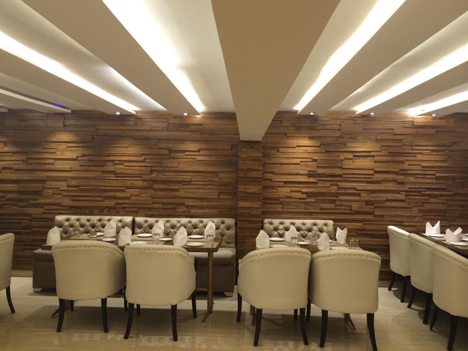 Amazing walls by Devesh Gajwani Modern | Interior Design Photos & Ideas