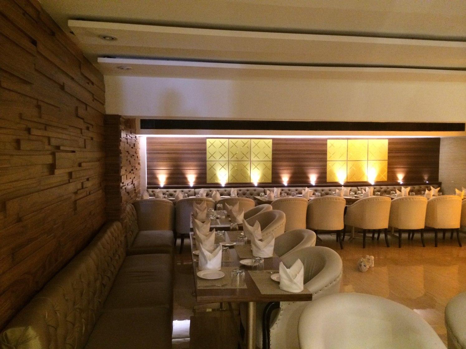 Attractive interiors by Devesh Gajwani Modern | Interior Design Photos & Ideas
