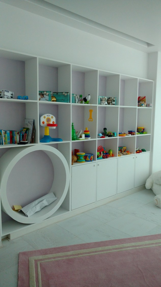 White Retreat to Eyes by Milind Kapadia Modern | Interior Design Photos & Ideas
