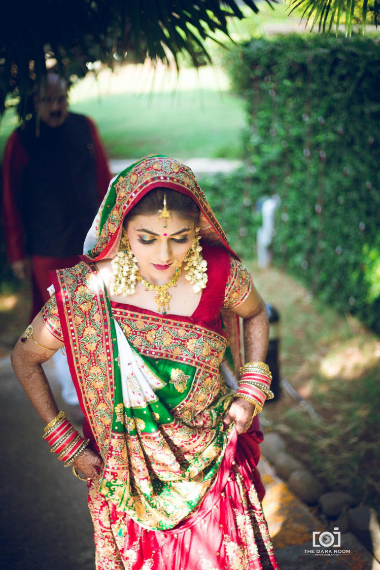 Contrast of red and green by The Dark Room Photography Wedding-photography | Weddings Photos & Ideas