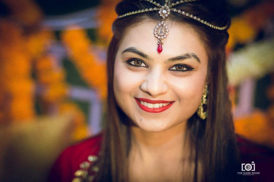 Bright red lips by The Dark Room Photography Wedding-photography | Weddings Photos & Ideas