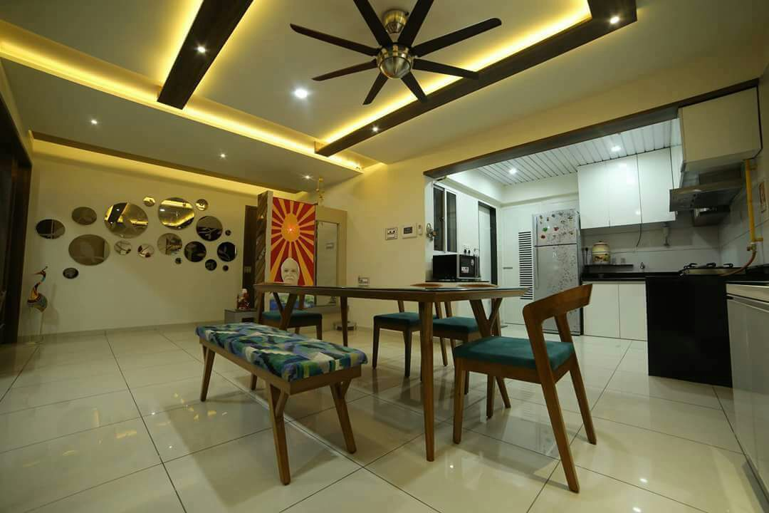 Dinning space with marble flooring and false ceiling by Chandni Goel Dining-room Contemporary | Interior Design Photos & Ideas