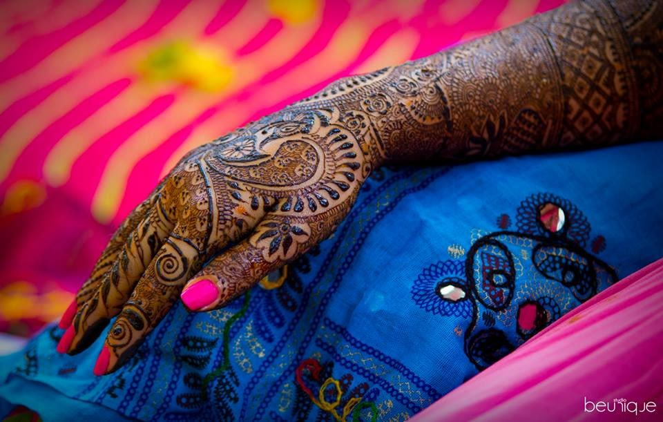 Mehendi Shot by Dushyant Gadara Wedding-photography | Weddings Photos & Ideas