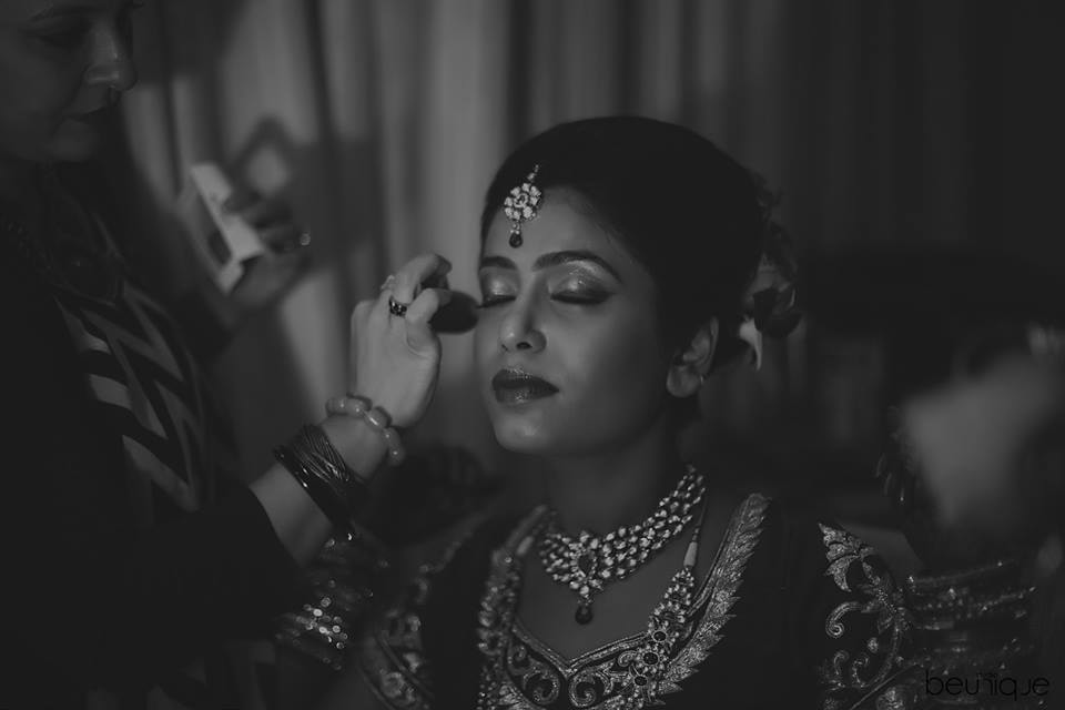Bride Getting Ready by Dushyant Gadara Wedding-photography | Weddings Photos & Ideas