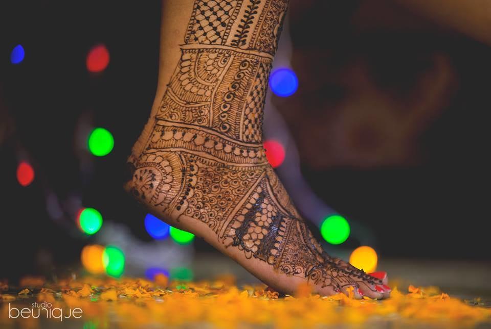 Mehendi Shot by Dushyant Gadara Wedding-photography | Weddings Photos & Ideas