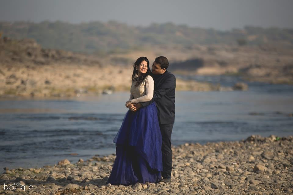 Outdoor Pre-Wedding Shoot Ideas by Dushyant Gadara Wedding-photography | Weddings Photos & Ideas