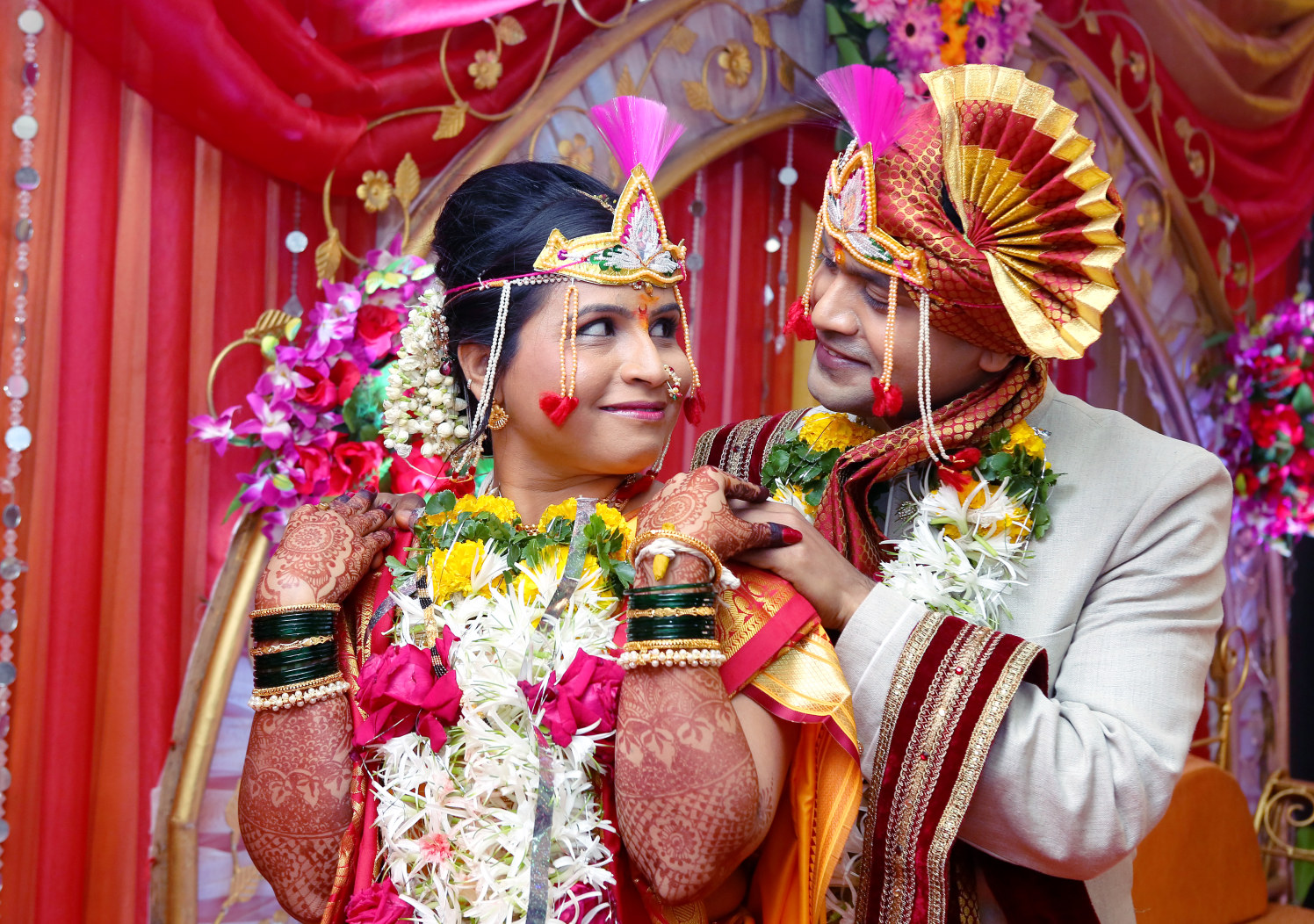 Bride and Groom Pose by Dharmesh Chawda Wedding-photography | Weddings Photos & Ideas