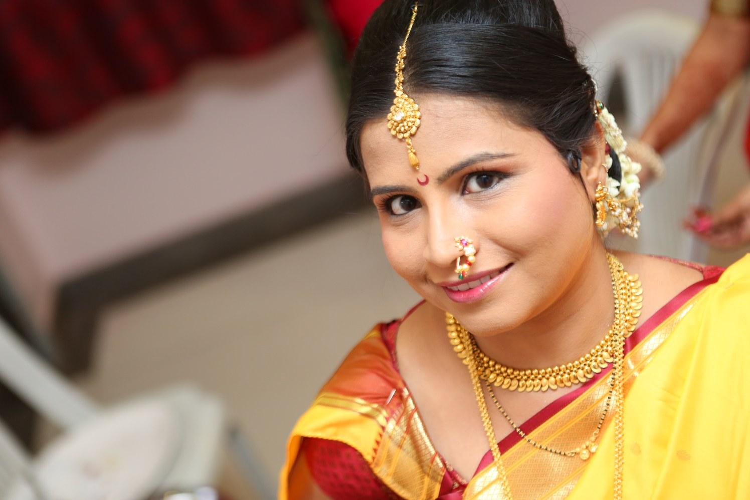 Marathi Bride by Dharmesh Chawda Wedding-photography | Weddings Photos & Ideas