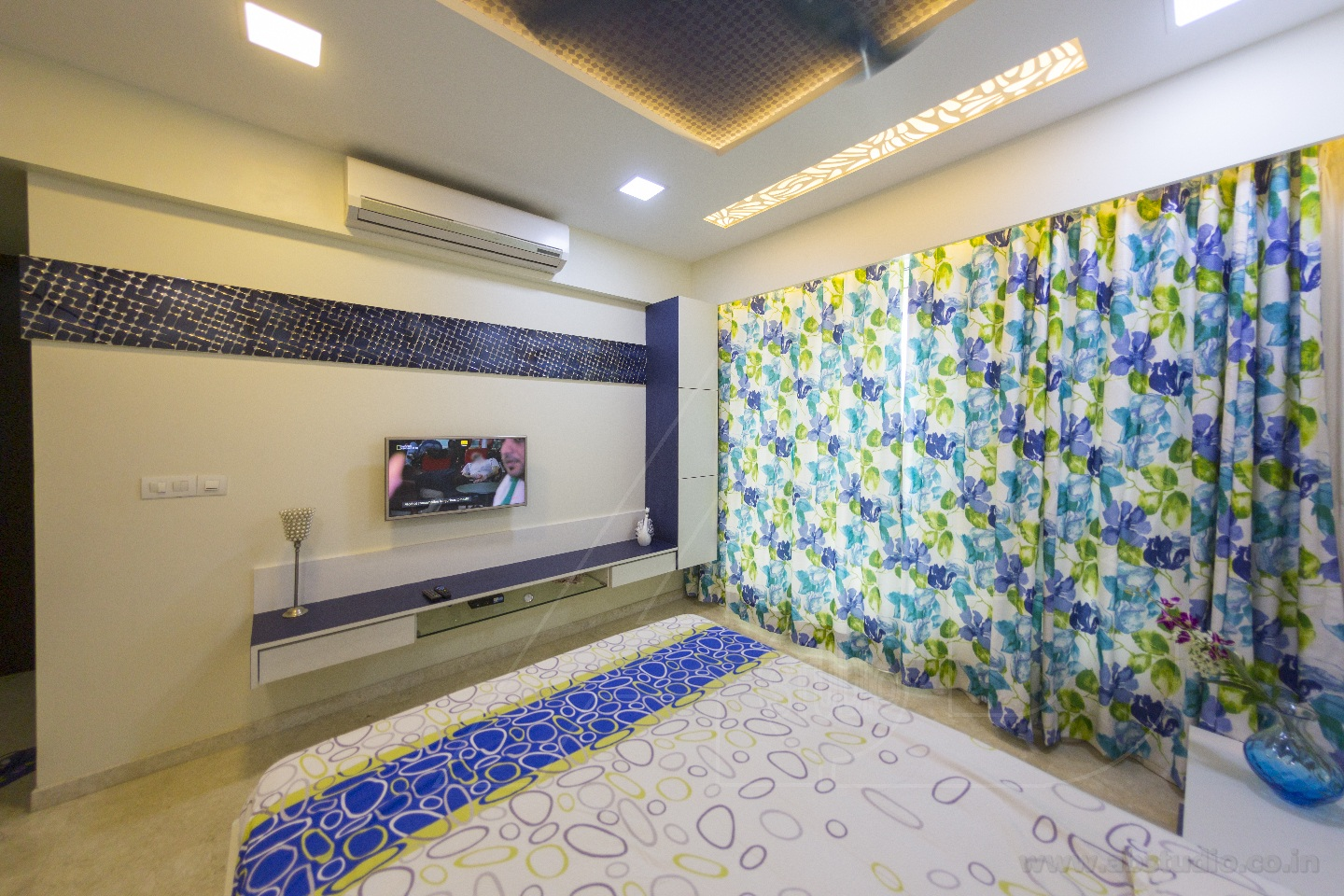 Of Blues And Greens by Ankit  Gandhi Contemporary | Interior Design Photos & Ideas