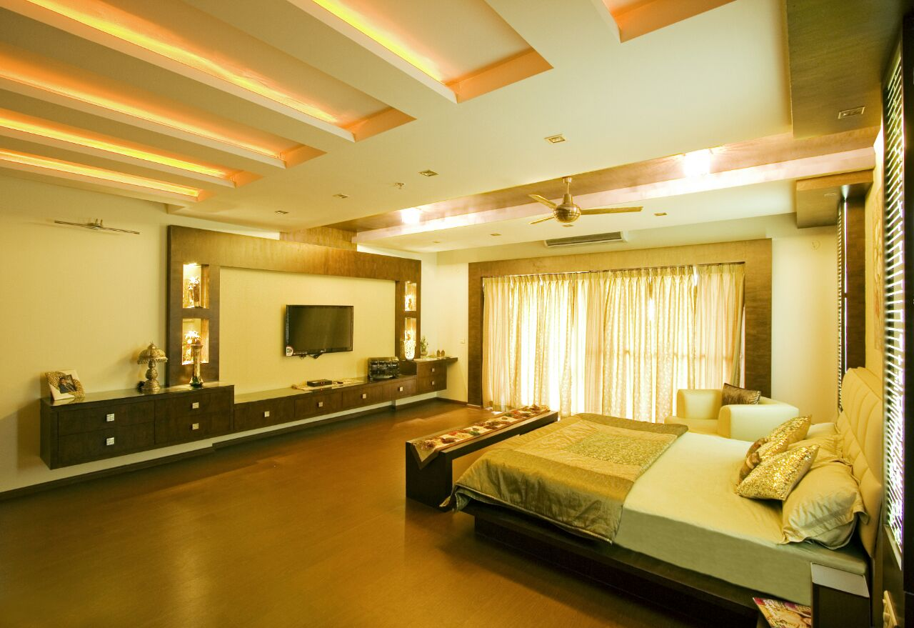 Golden Shades Of a Lavish Looking Bedroom with False Ceiling by Yogendra Garg Bedroom Contemporary | Interior Design Photos & Ideas