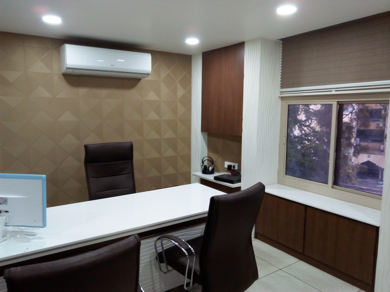 Cubicle by Patel Bhavesh Modern | Interior Design Photos & Ideas