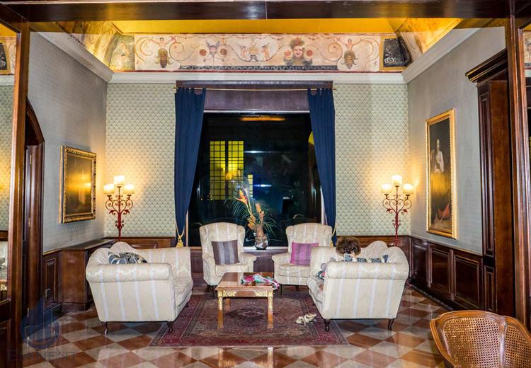 Vintage Gathering Setups by Shyam Gupta Living-room Vintage | Interior Design Photos & Ideas
