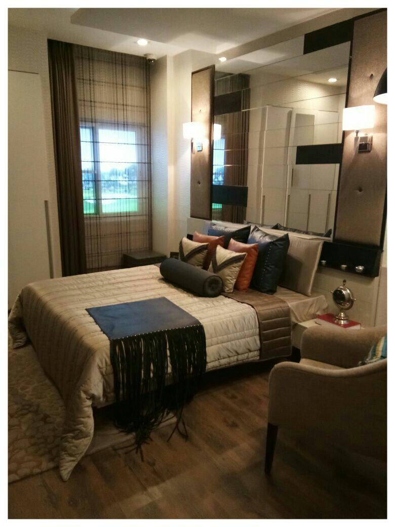 Contemporary Master Bed Room by Envisage Design Atelier Contemporary | Interior Design Photos & Ideas