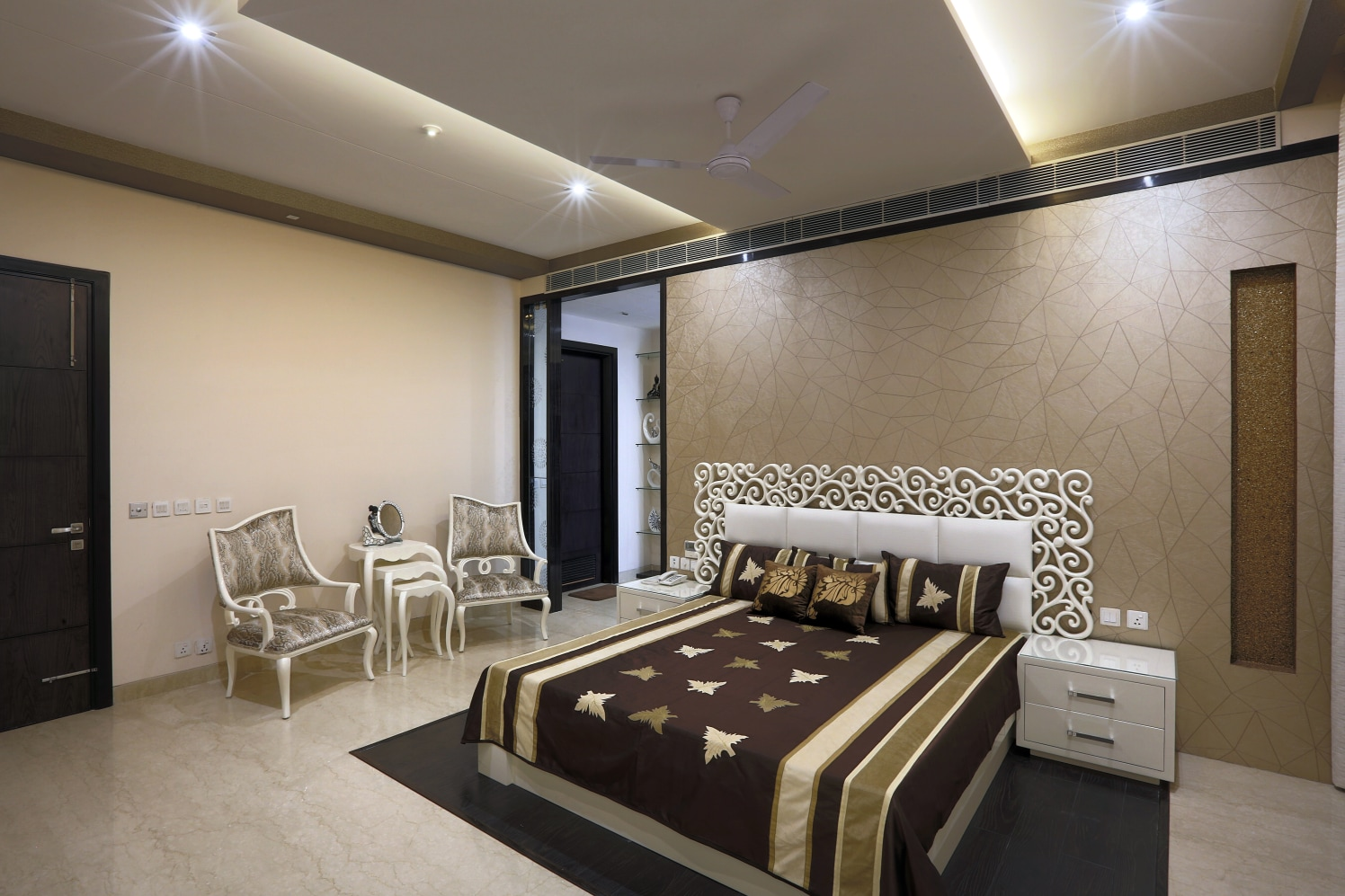 King Size Bed with Marble Flooring and Patterned Wall by Sumita Mehra Bedroom Contemporary | Interior Design Photos & Ideas