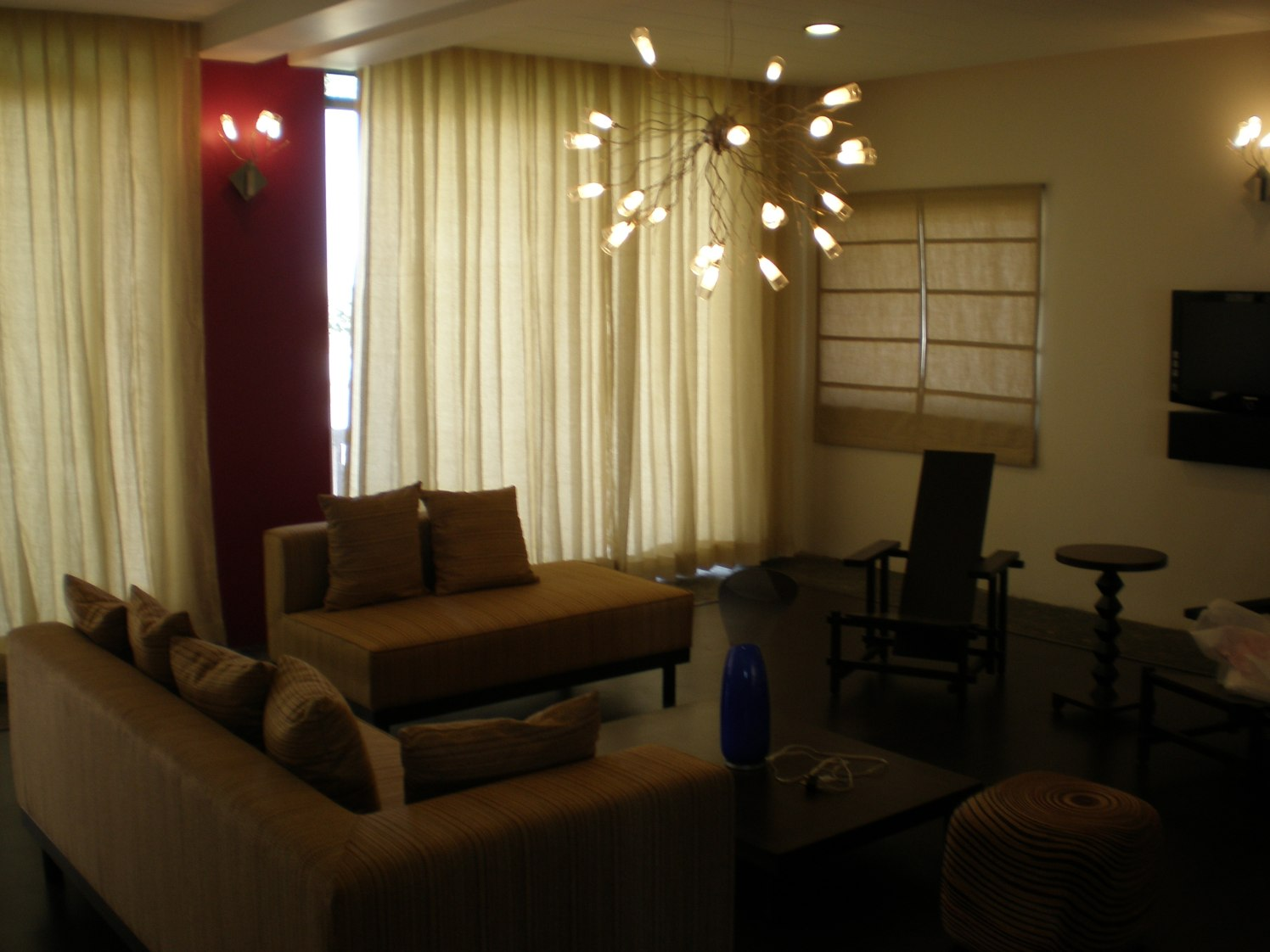 A Sparkling Room by Rohit Gir Modern | Interior Design Photos & Ideas