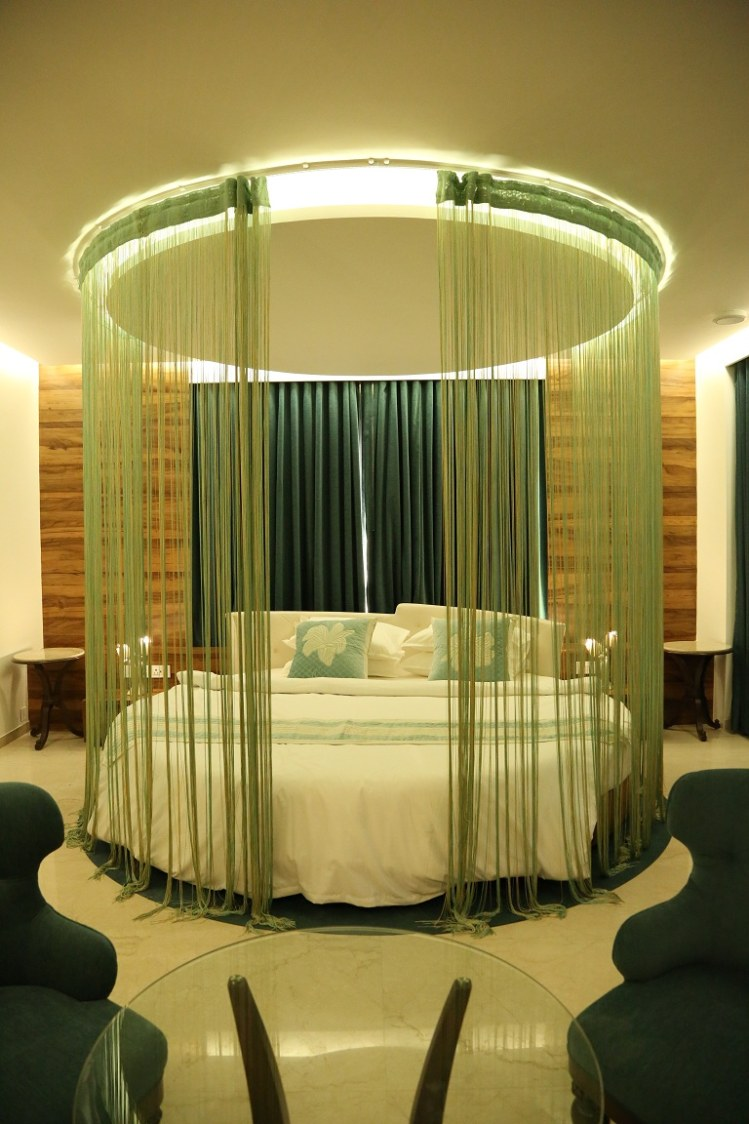 Low Rise White Cushioned Bed by Devang Shah Bedroom Contemporary   Interior Design Photos & Ideas