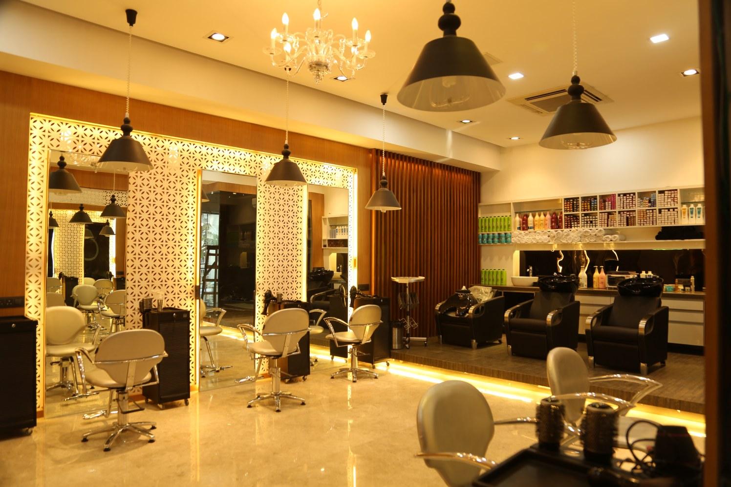 Dress Up Ladies! by Vinod Kalburgi Modern   Interior Design Photos & Ideas