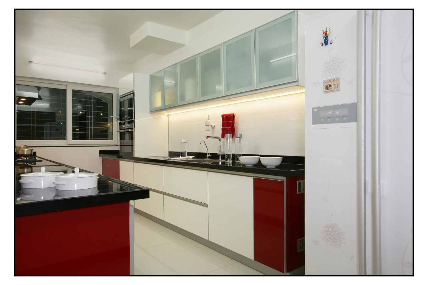 Red Pearls by Avinash Haridas khanajhode Contemporary   Interior Design Photos & Ideas