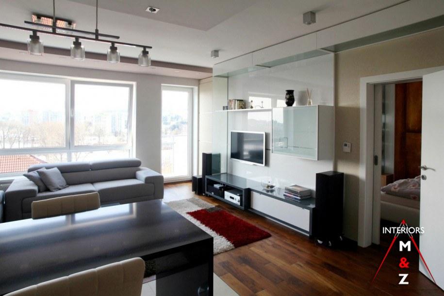 The spacious and bright living room by Zubairul Haque Contemporary | Interior Design Photos & Ideas