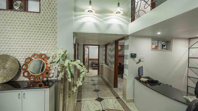 A Beautiful Hallway by Swati Jain Contemporary | Interior Design Photos & Ideas