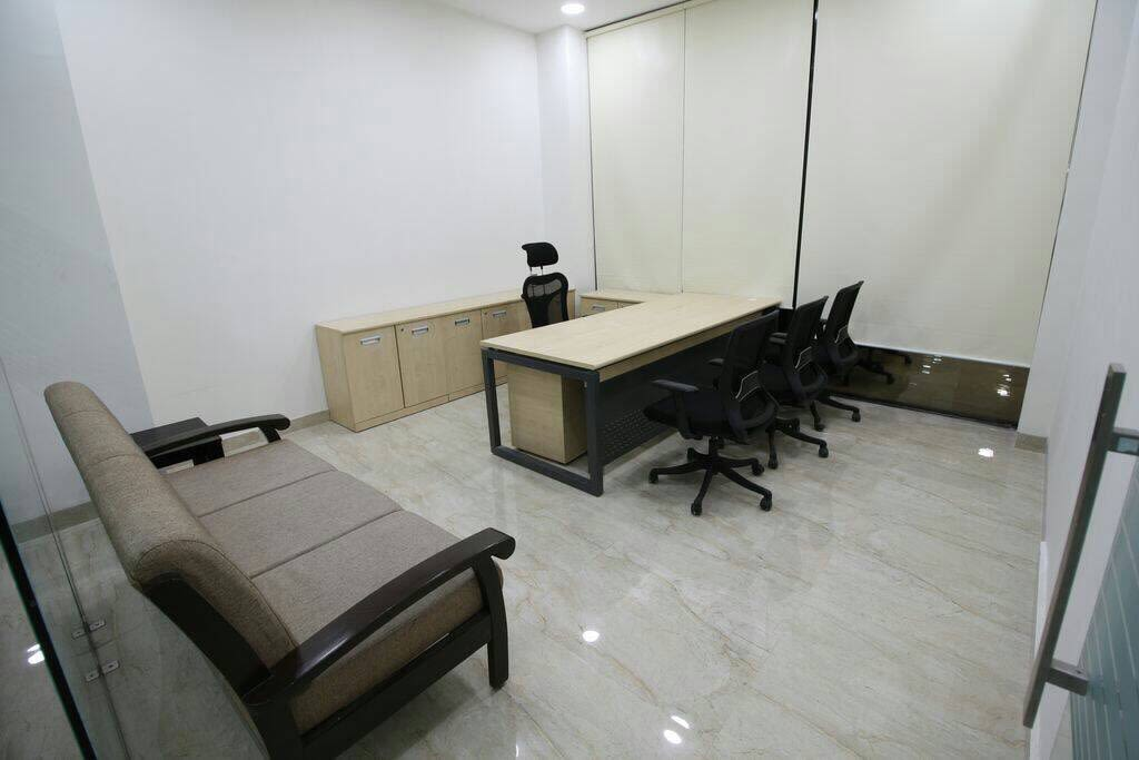 Office Workstation With Pine Table by Rimpy Shah Minimalistic | Interior Design Photos & Ideas