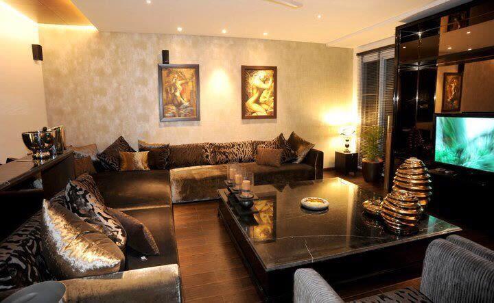 Bedazzling Living Room by Karan Kalra Modern | Interior Design Photos & Ideas