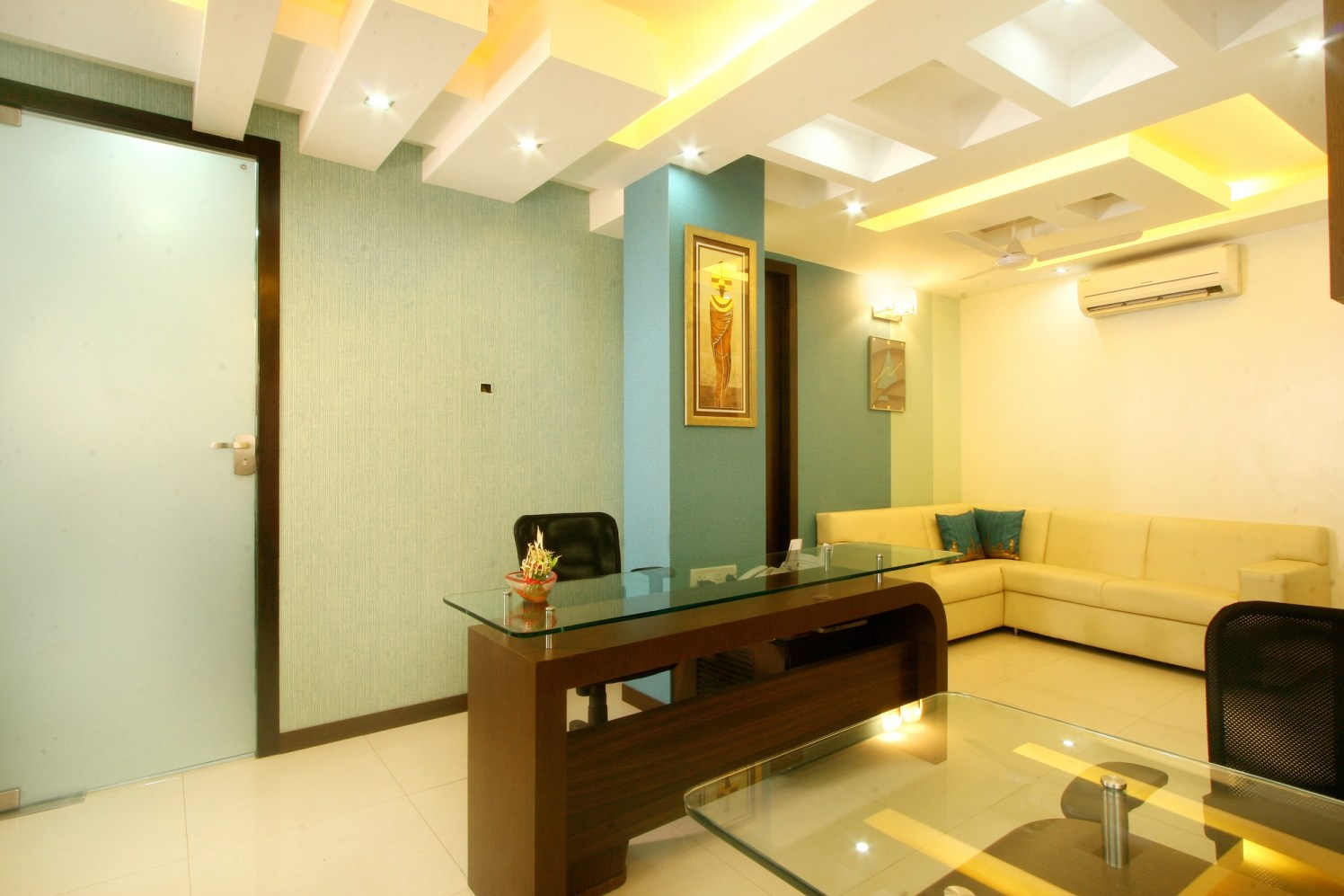 Meet & Greet by Harshila Shreeram Talasila Contemporary | Interior Design Photos & Ideas