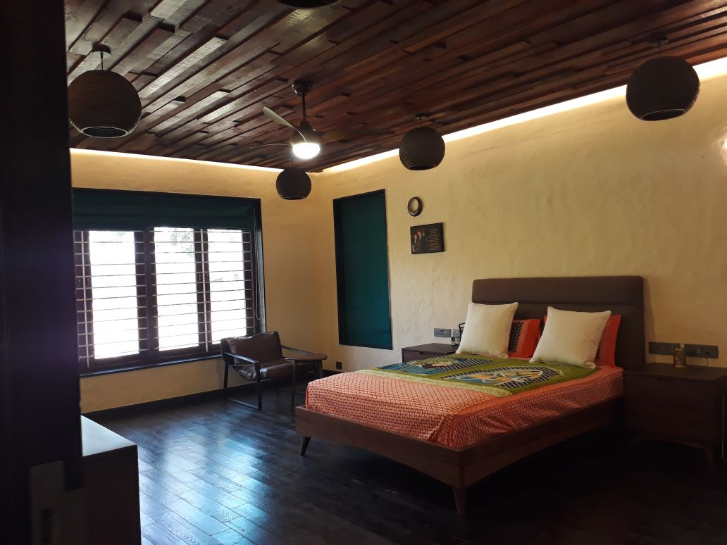 Traditional Bedroom With Wooden Tiled Ceiling by Madhu Kailashi Bedroom Traditional | Interior Design Photos & Ideas