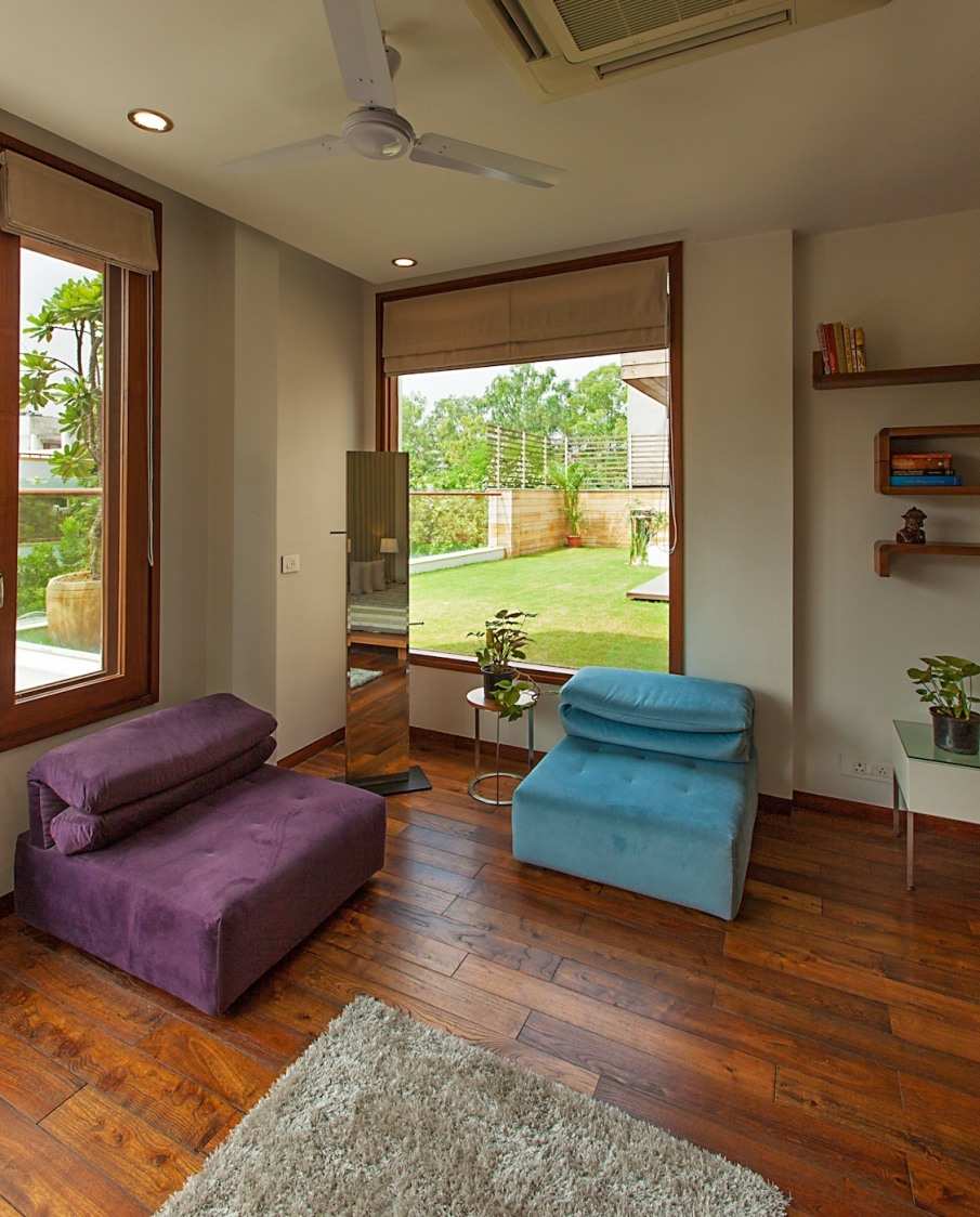 Blue And Purple Cushioned Sofas by narayan moorthy Living-room Minimalistic | Interior Design Photos & Ideas