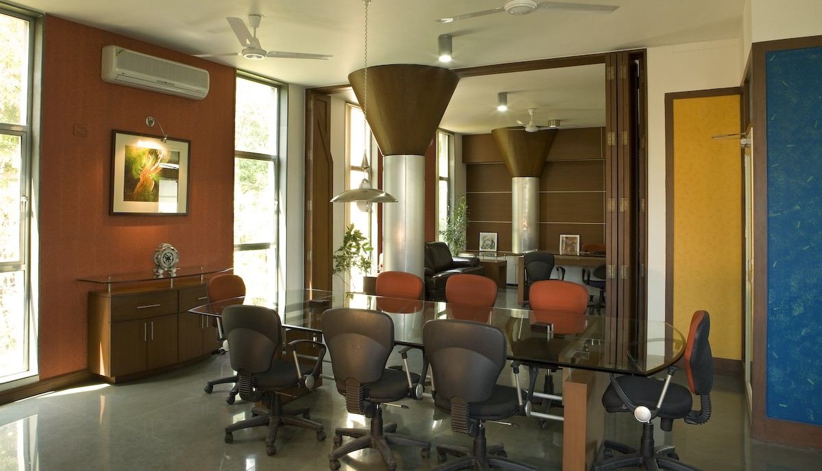 Meeting  Room With Hanging Lamp by narayan moorthy Contemporary | Interior Design Photos & Ideas