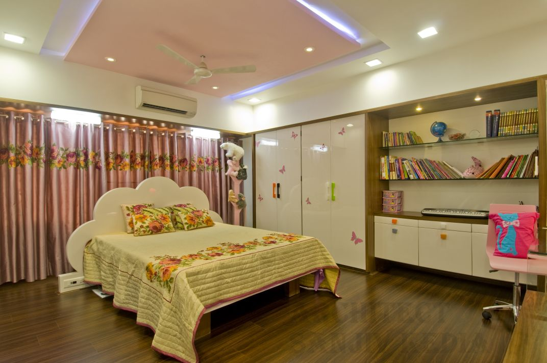 Happening bedroom by Mahesh Shivaji Bhoskar Contemporary | Interior Design Photos & Ideas