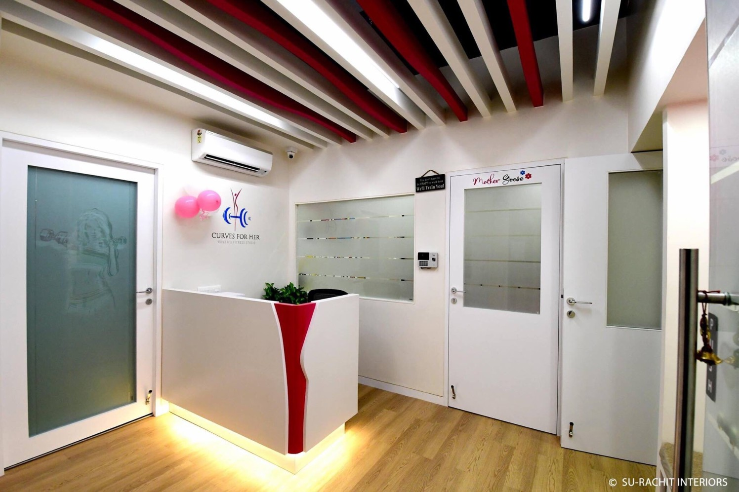 Reception by Su-Rachit Interiors Modern | Interior Design Photos & Ideas