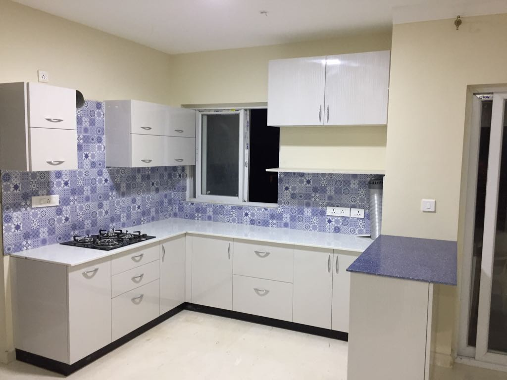 U Shaped Modular Kitchen by Gijo George Modular-kitchen Contemporary | Interior Design Photos & Ideas