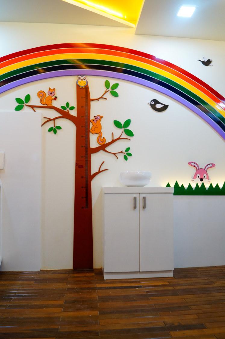 Raven' with the rainbow by Aishwarya Sagar Kadam Contemporary | Interior Design Photos & Ideas