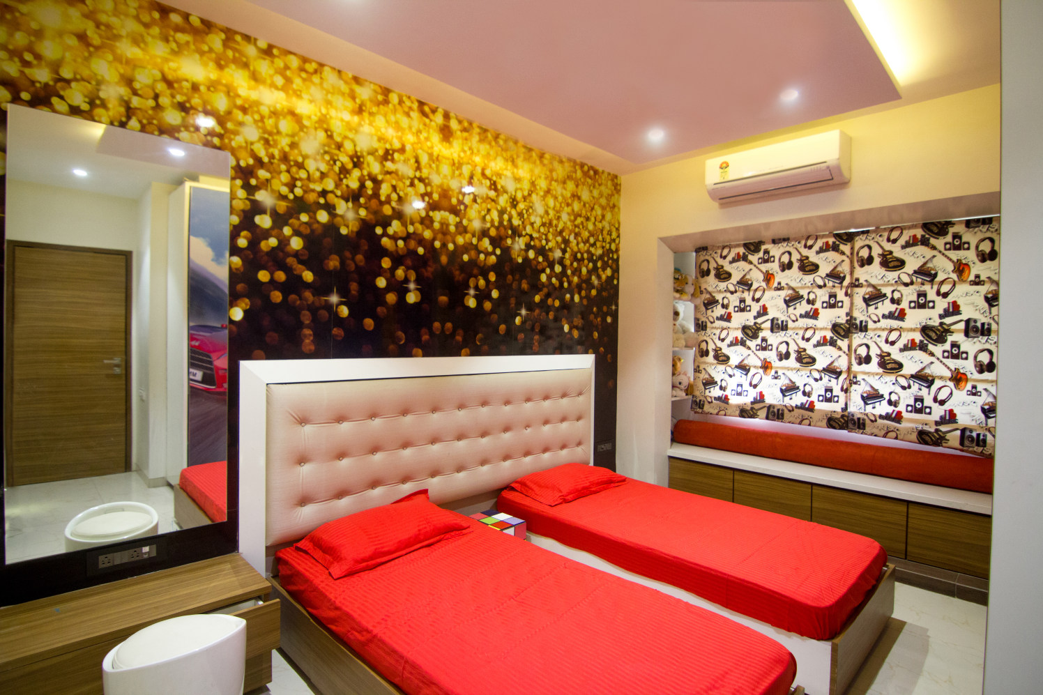 Pretty Red by Rupali Naik Modern | Interior Design Photos & Ideas